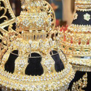 黄金に輝く宝石みたいなこれはなんなのか?!※SALAにあります。